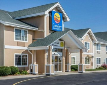 Comfort Inn & Suites Jackson - West Bend