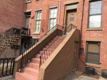 Cozy Private Studio Apartment 14 min away from Manhattan sleeps 4 2 Beds