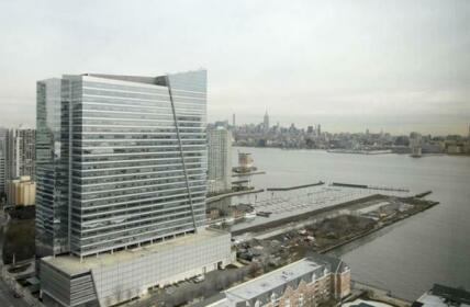 Global Luxury Suites at Jersey City Waterfront