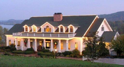 Whitestone Inn