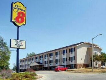 Country Club Inn & Suites