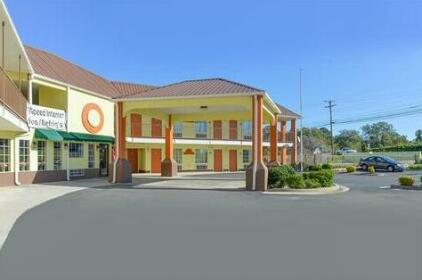 Econo Lodge Inn & Suites LaFayette