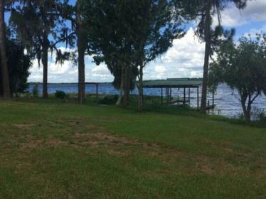 Lakeshore Cottage Lake Placid