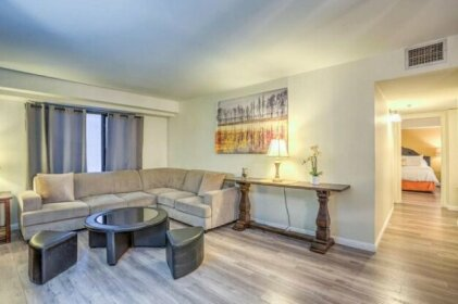 2bd/2ba+Xrm Stay Together Condo@The Jockey Club