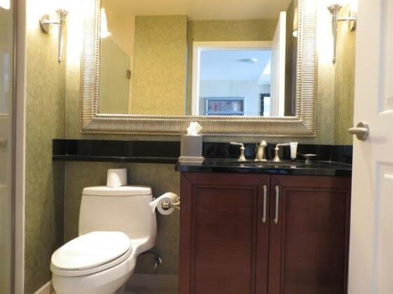 Fully Renovated on the Strip - Photo4