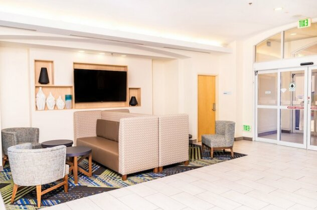 Holiday Inn Express Hotel and Suites SW Spring Valley- Photo3