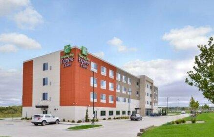 Holiday Inn Express & Suites - Kansas City - Lee's Summit