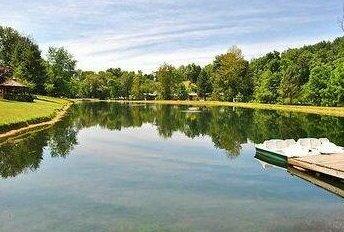 Robin Hill RV Resort & Campground - Caravan Park