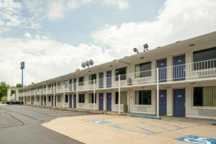 Motel 6 Lexington KY - East I-75