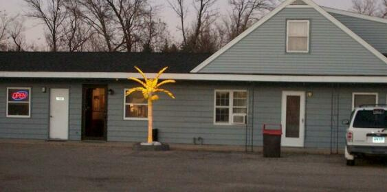 Island Park Motel