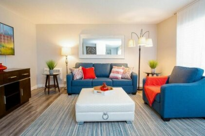 1 Mile To Downtown/Beach King Bed Super Fast Wifi