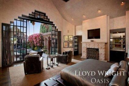 1037 - Lloyd Wright Oasis