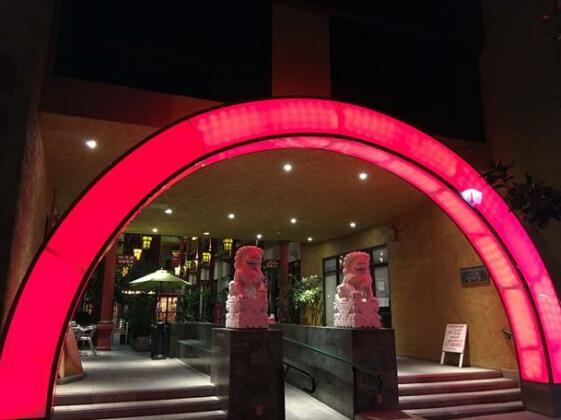 Best Western Plus Dragon Gate Inn- Photo2