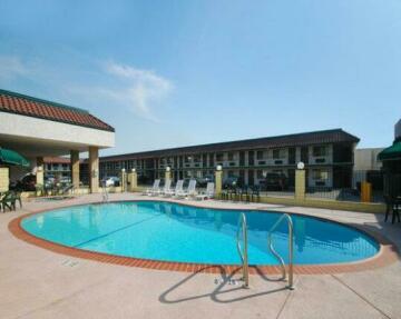 Comfort Inn Near Old Town Pasadena in Eagle Rock CA