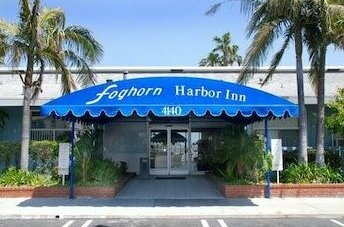 Foghorn Harbor Inn