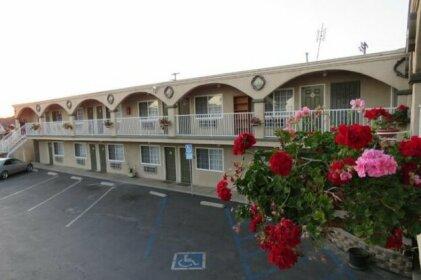 Foxy's Den Motel