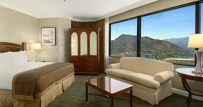 Hilton Los Angeles-Universal City- Photo2