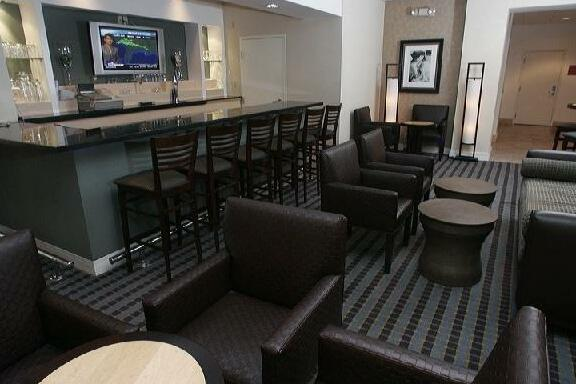 Holiday Inn Express Hotel & Suites Hollywood Hotel Walk of Fame - Photo2