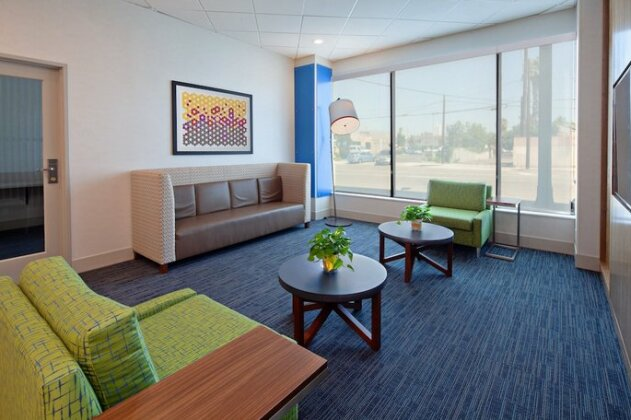 Holiday Inn Express Los Angeles LAX Airport - Photo3