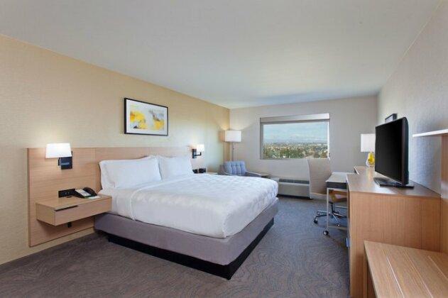 Holiday Inn Los Angeles International Airport- Photo2