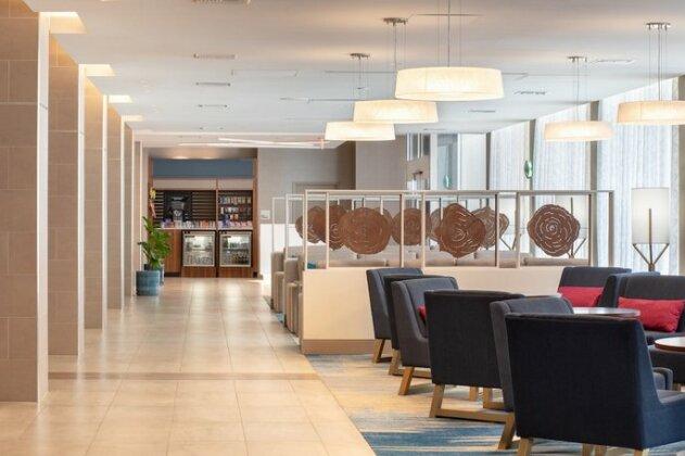 Holiday Inn Los Angeles International Airport- Photo5