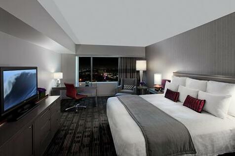 Loews Hollywood Hotel- Photo4
