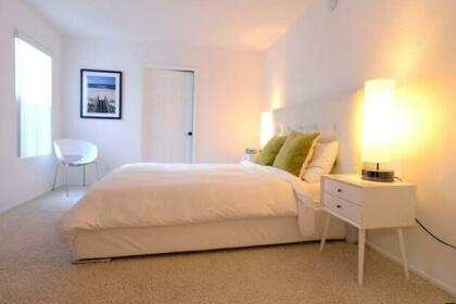 Miracle Mile Apartment