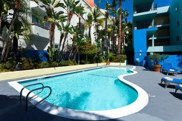 Ramada Plaza By Wyndham West Hollywood - Photo4