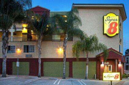 Super 8 by Wyndham Los Angeles Downtown Motel
