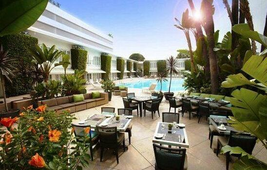 The Beverly Hilton - Photo3