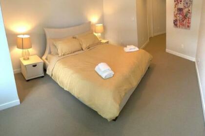 Wilshire Suites 405