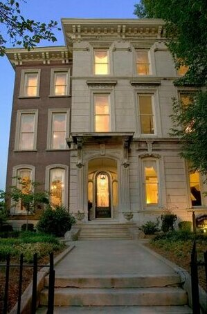 DuPont Mansion Historic Bed and Breakfast