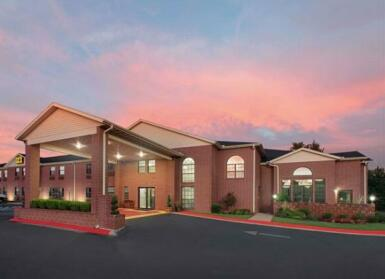 Super 8 by Wyndham Lowell/Bentonville/Rogers Area