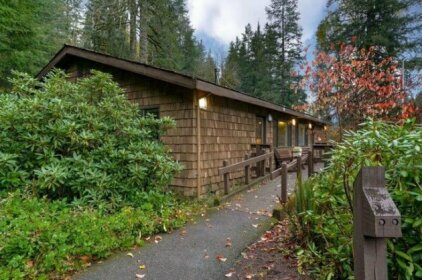 Silver Falls Lodge & Conference Center