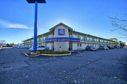 Motel 6 Detroit Northeast - Madison Heights