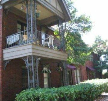 Memphis Belvedere Suites