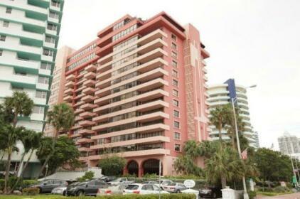 Apartments at The Alexander