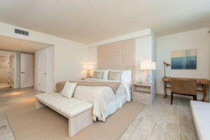 Beach Front Hotel Residence - 1015