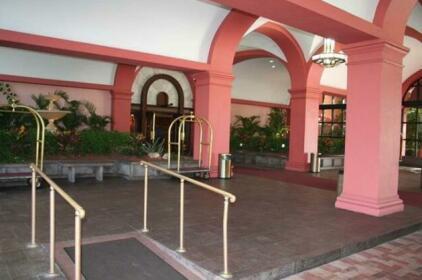 Oceanfront Collins Resort - Global Vacation Rental