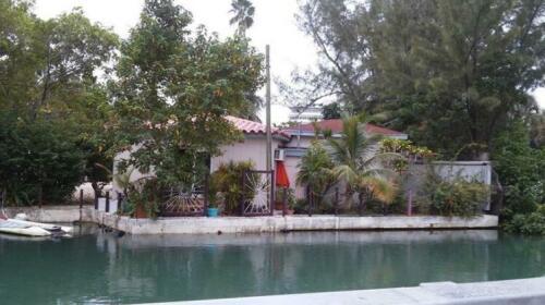 Tropical Garden Apartments