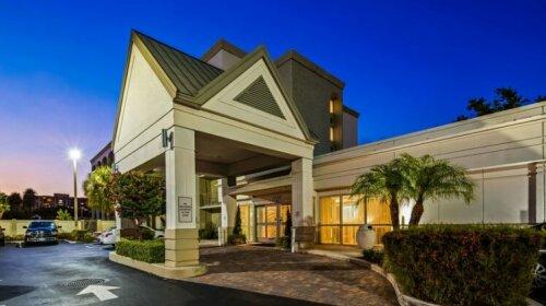 Best Western Plus Windsor Inn