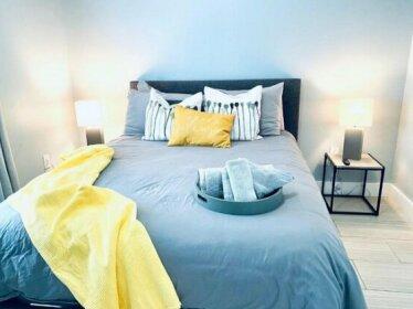 Brand New Modern 2/1 Duplex in Design District 4400