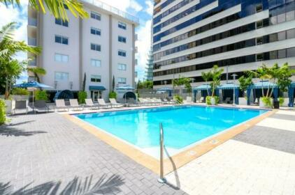 Large Apartment in Coconut Grove With Marina Views
