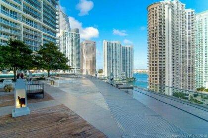 Luxury 5-star Condo @39th floor in Icon Brickell 2b/2b