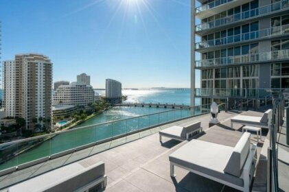 Luxury Waterfront Condo In The Urban Oasis At Icon-Brickell Free Spa