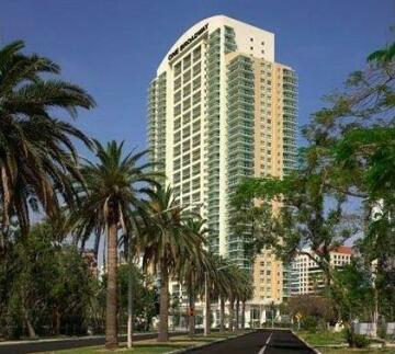 Miami 4Days - One Broadway