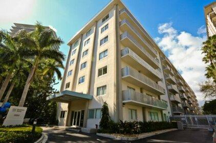Nuovo Miami Apartments at Coconut Grove