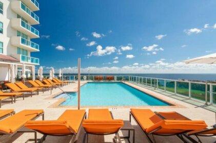 Ocean Million Dollar View Studio + Balcony 2