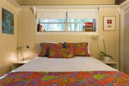 Private suite in magic cottage near Cruise Station