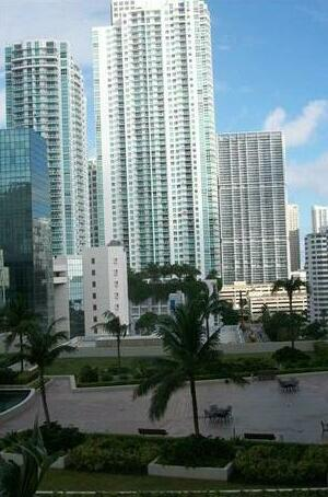The Club at Brickell Bay by Netwatch